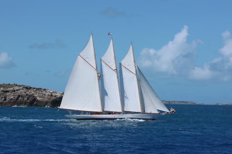 Le magnifique schooner de trois mâts Adix au départ - Crédits : RORC/Tim Wright