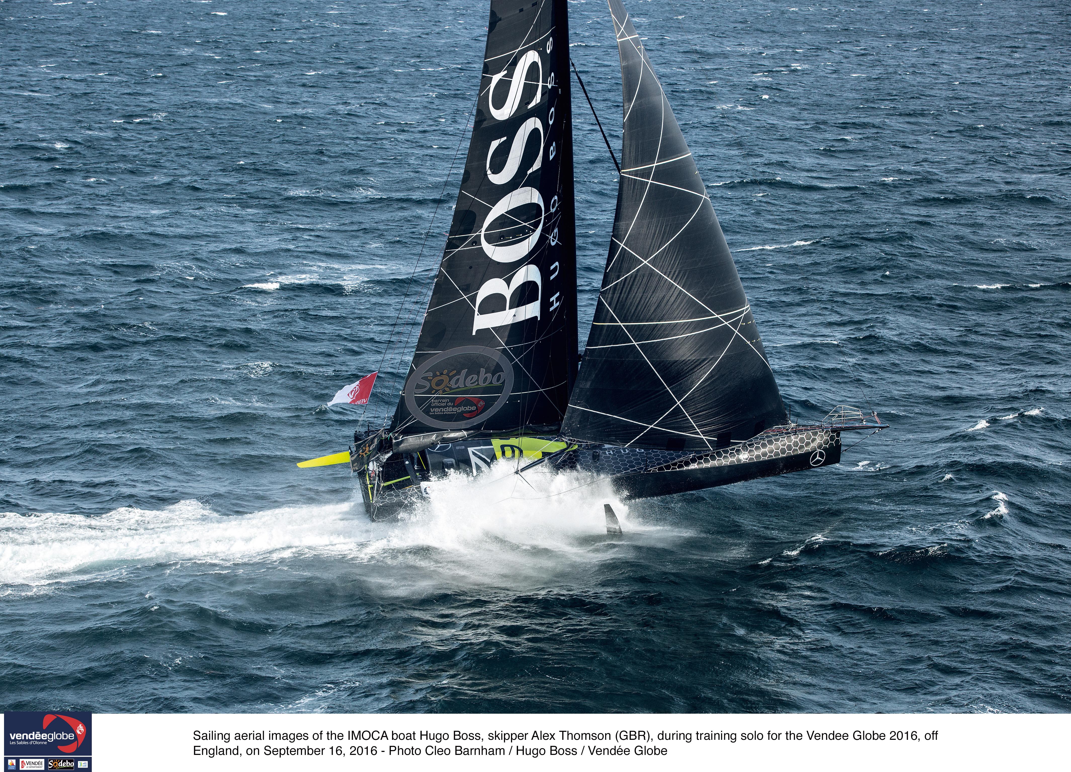Alex Thomson victime d'un incident, son bateau endommagé — Vendée Globe