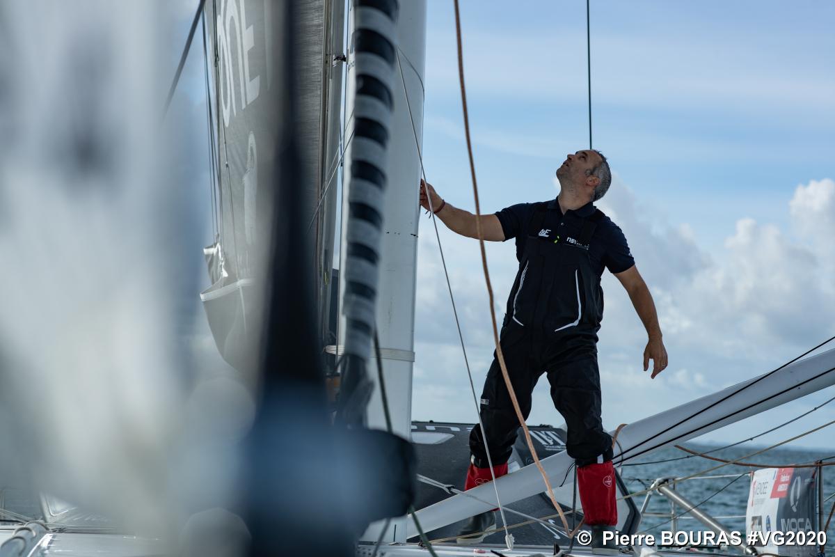 Le Segréen Fabrice Amedeo fait demi-tour — Vendée Globe